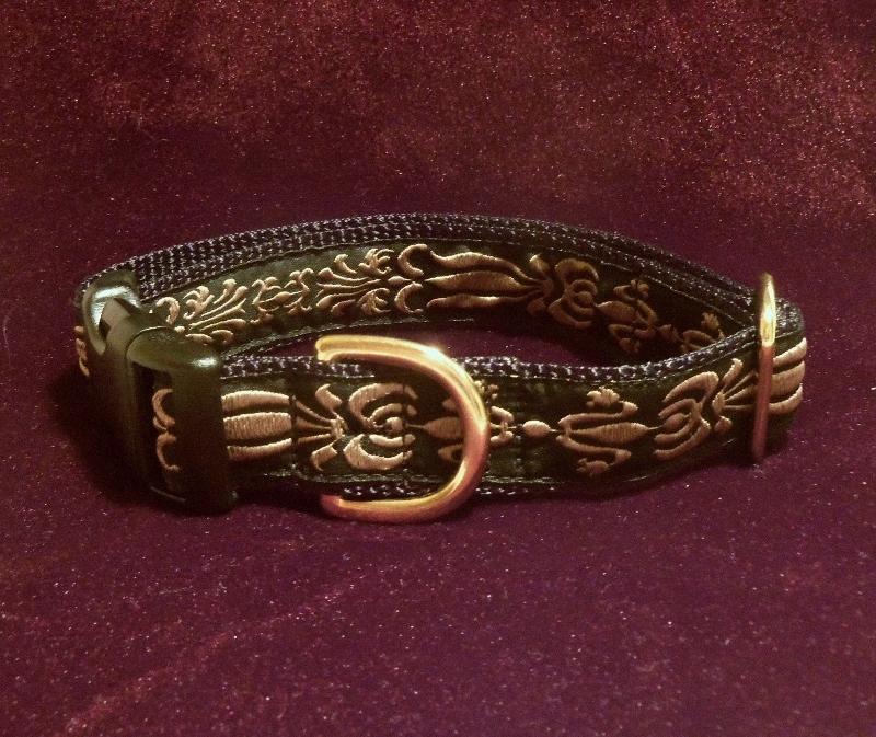 Black and tan brocade dog collar.